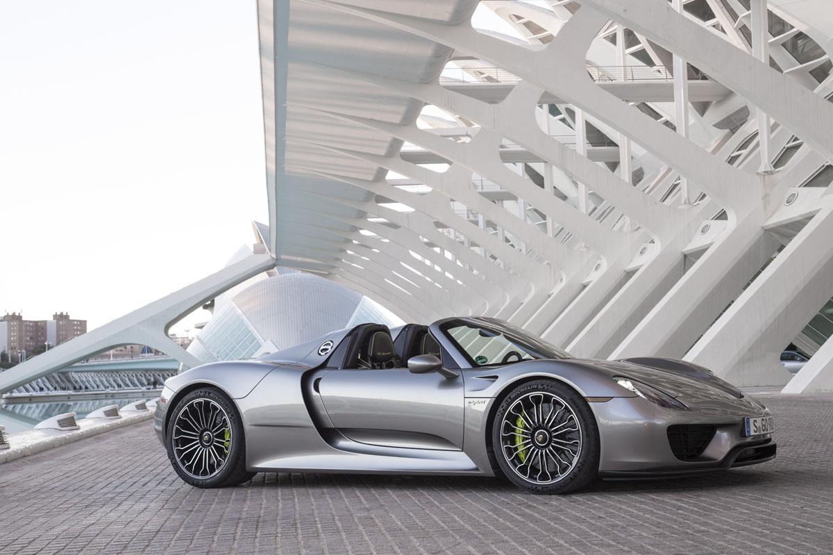 2015 Porsche 918 Spyder_BLOG