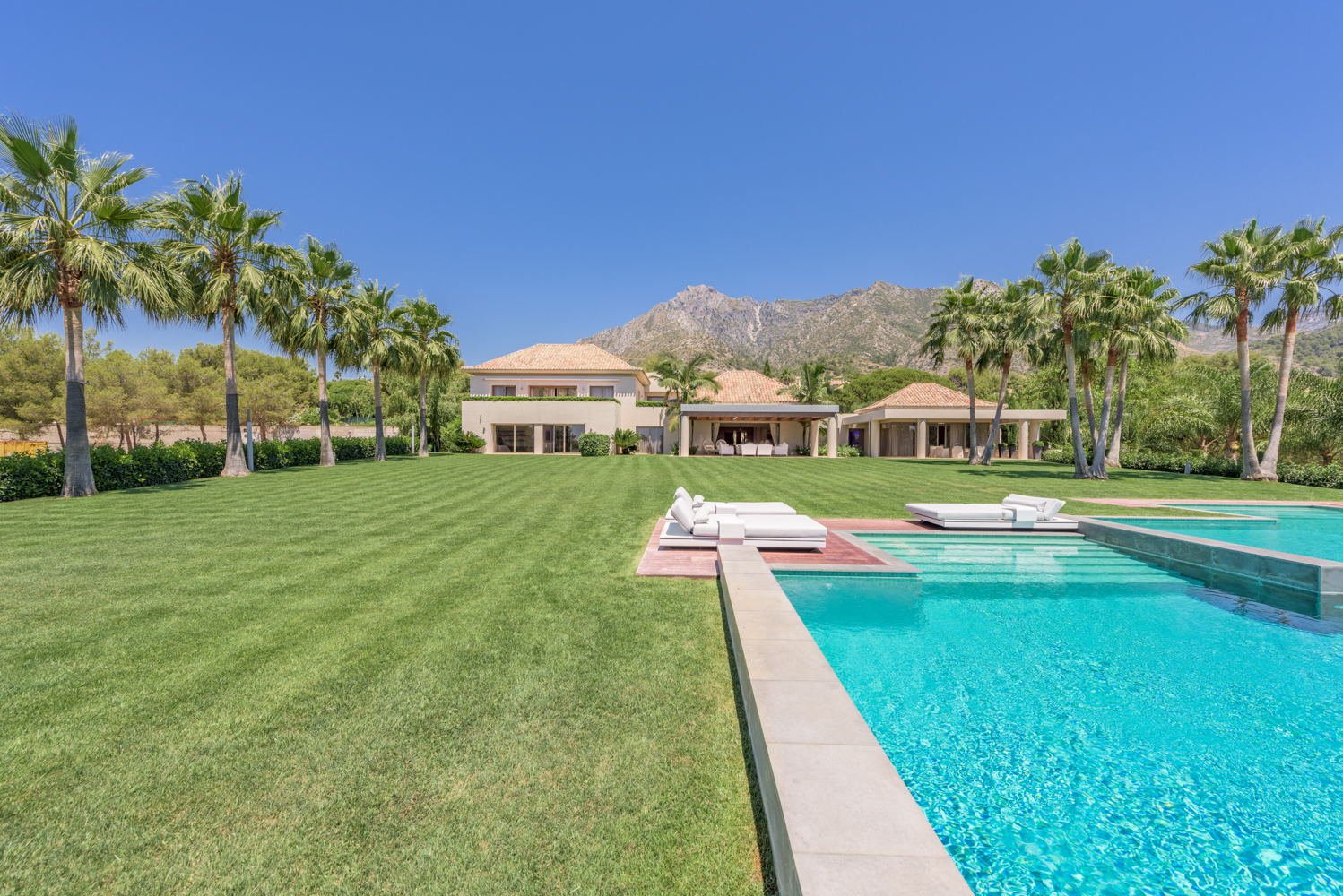 Premium Luxury Villa in Sierra Blanca (5)