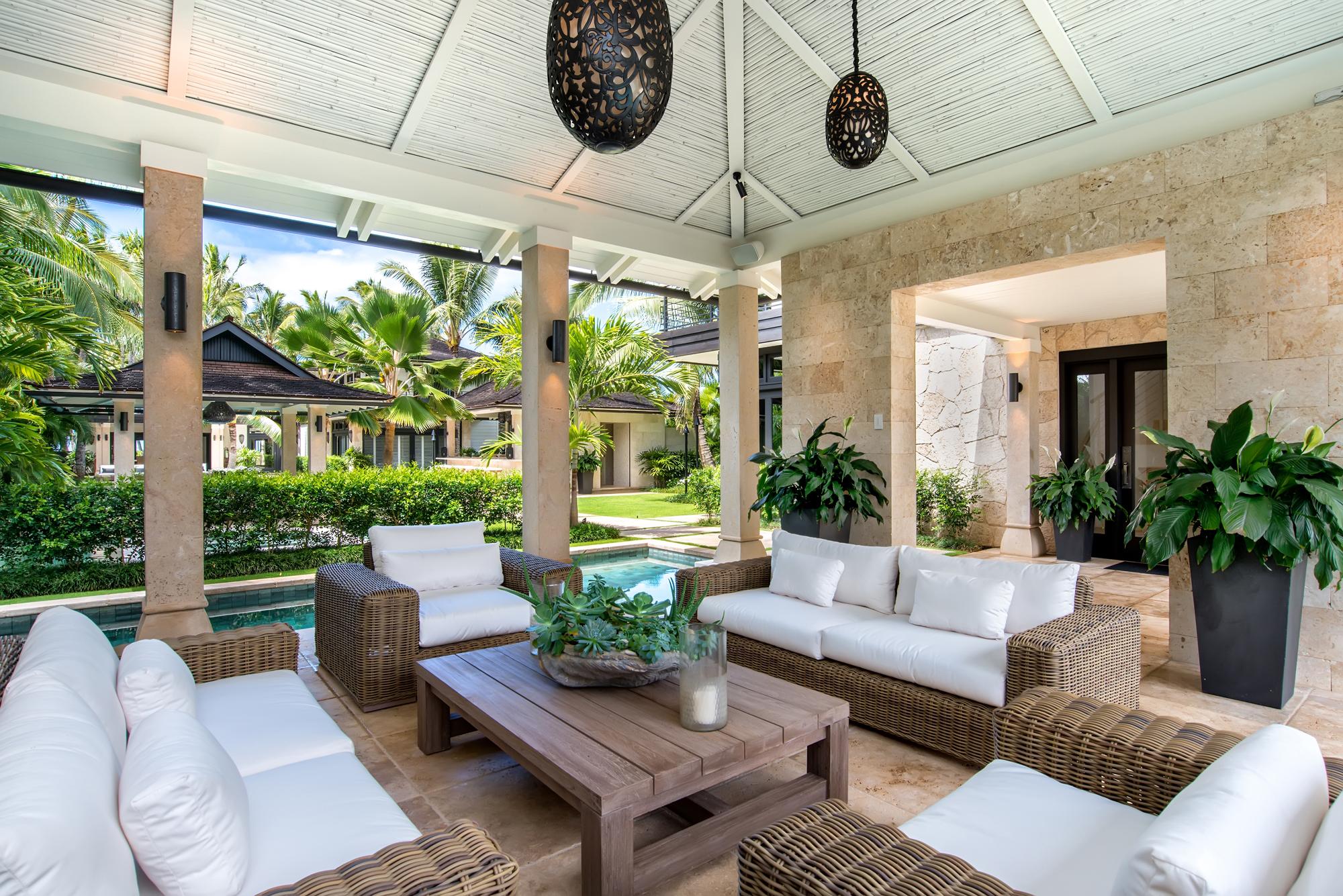 hawaii_outdoor entertainment pavilion