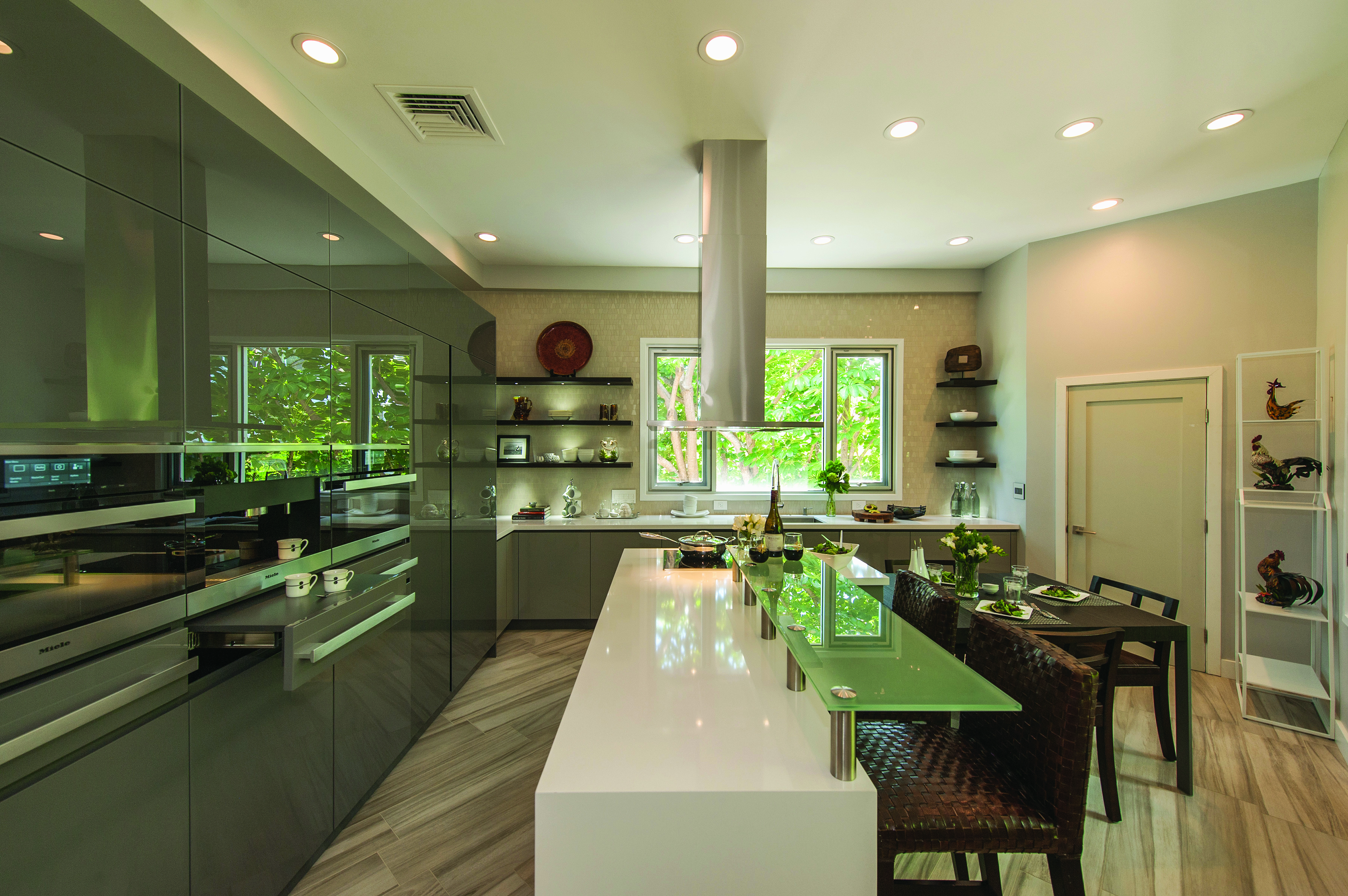 Contemporary design ideas defining 12 modern kitchen trends 2017 - High Gloss Cabinets Are An Emerging Trend According To The National Kitchen And Bath Association S Nkba Annual Design Survey Clean Lines Built Ins And
